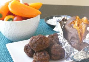 köttgryta med kantareller och lingon